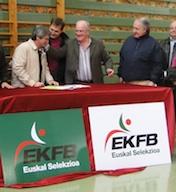 Acuerdo de colaboración entre las federaciones de Deporte Adaptado y Natación