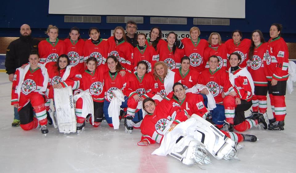 Euskadi 1-Katalunia 3 (Donostia) (2016ko abenduaren 23a) Izotz-hockeyko emakumezkoen selekzio absolutua