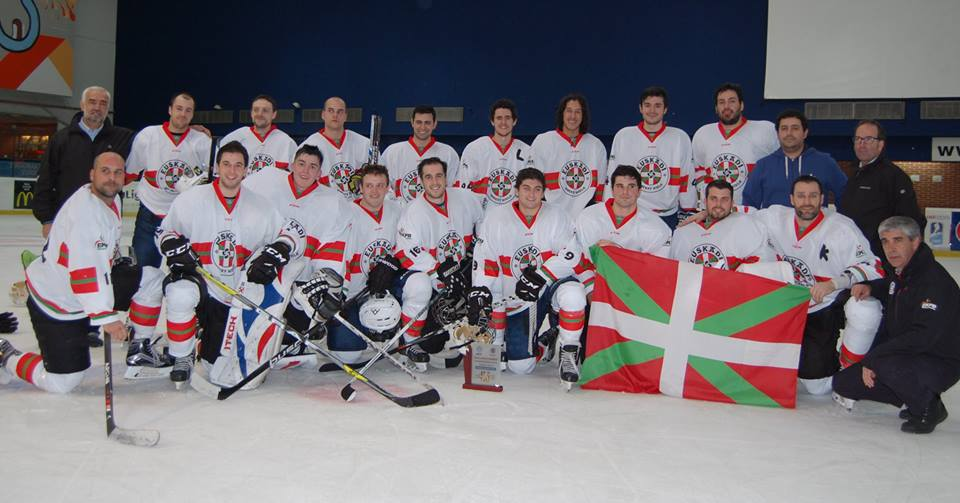 Euskadi 3-Catalunya 3 (Donosti) (23 de diciembre de 2016)  Selección Absoluta masculina de Hockey Hielo