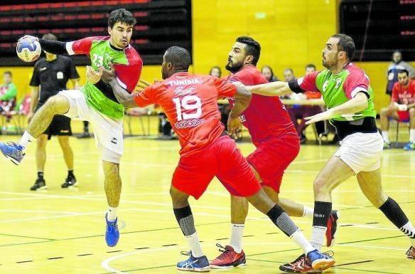 Euskadi 21-Tunisia 24 (Errenteria) (2016ko abenduaren 29a) Eskubaloiko gizonezkoen selekzio absolutua