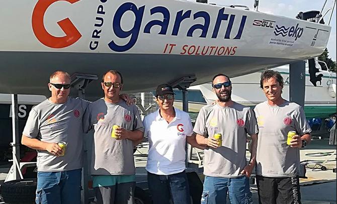El 'AD Garatu' del guipuzcoano Iker Almandoz es subcampeón en el Mundial J 80 de Les Sables d´Olonne