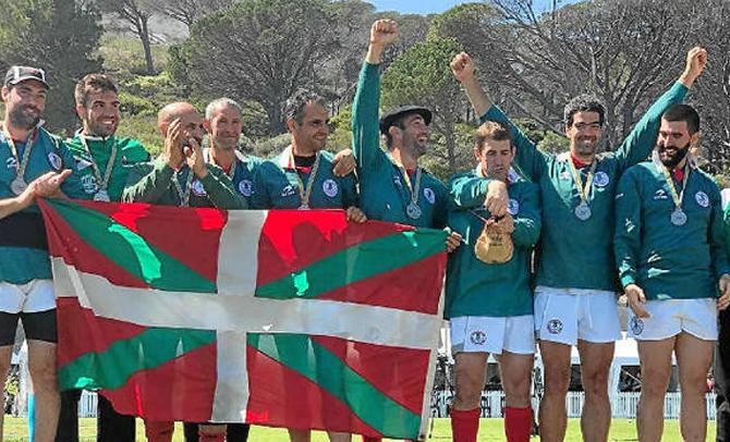 Tres medallas como selección de Euskadi y cuatro por clubes en el Mundial de Sudáfrica
