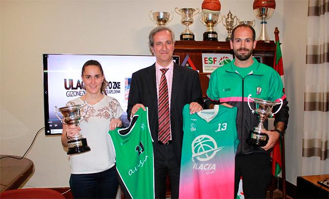 Los campeones de Primera Femenina y Masculina reciben sus trofeos