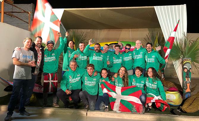 Euskadi también arrolla en individual en el Mundial de kayak surf en Perú