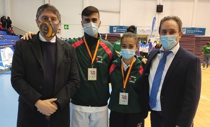 Los dos únicos representantes vascos que acudieron al Campeonato de España cadete, junior y sub 21 volvieron con medalla