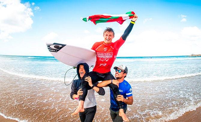 Rubén Vitoria se adjudica la victoria en el Caparica Surf Fest de Portugal