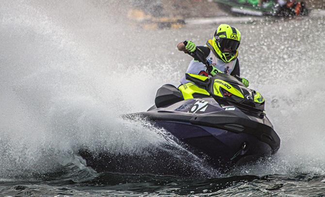 Ian Traba brilla en el Campeonato Nacional de Motos de Agua